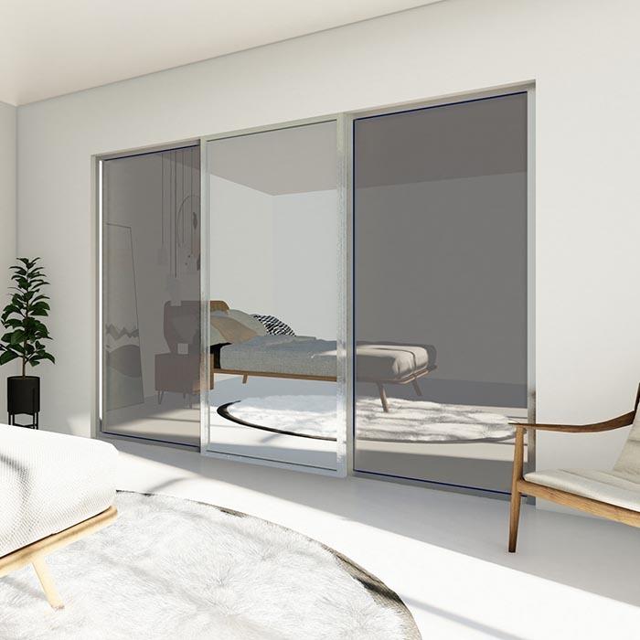 skyvedører med speil og glass og sølvfarget profiler
