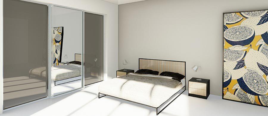 skyvedører med farget glass og speil med sølvfargede profiler