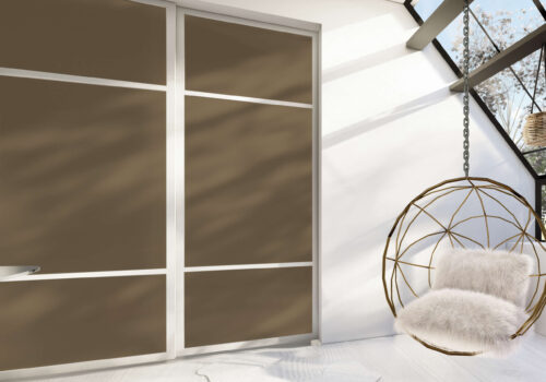 skyvedører med farget glass i golden bronze