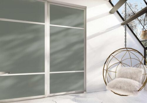 skyvedører med farget glass iconic